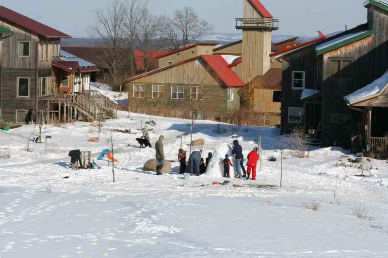 Snow play in Song Neighborhood